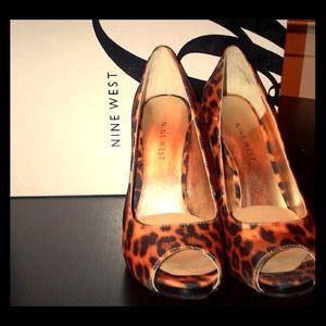 Beautiful nine west leopard heels