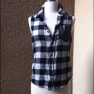 Flannel  button down top with leather pocket