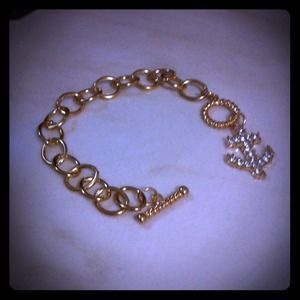 Jewelry - Gold anchor link chain