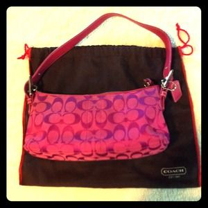 Coach Handbags - 🌟RESERVED @pookiebeau🌟 🌺AUTHENTIC Coach purse