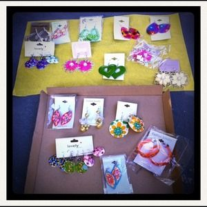 Accessories - Earrings Lot. 20 pairs.