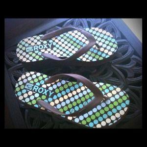 Roxy sandals!