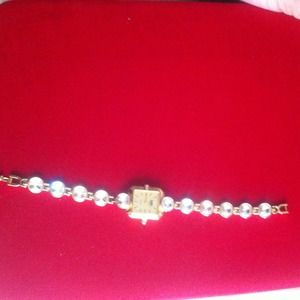 Accessories - Golden watch with big faux diamonds