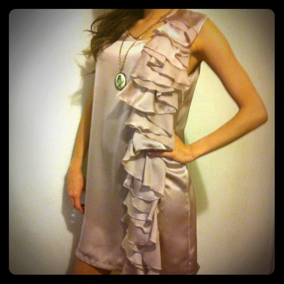 Dresses & Skirts - Soft pink ruffle Party dress!!