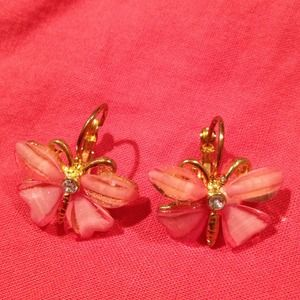 Jewelry - 🎀REDUCED🎀Adorable Coral stone Butterfly Earrings