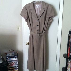 Classic short sleeve dress