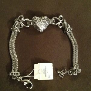 Jewelry - 🎉SOLD to @michelle8🎉 Silver Heart Bracelet