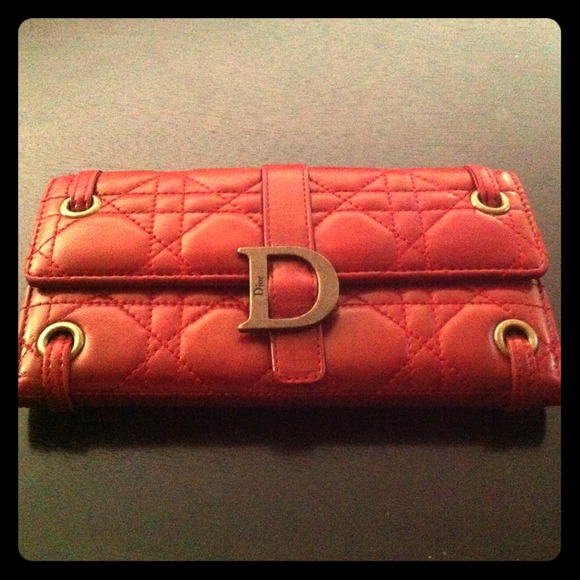 Dior Clutches & Wallets - BUNDLe! @Almoyes Red Dior Wallet& AofE necklace