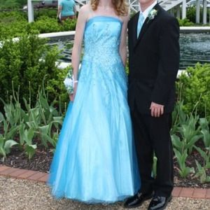 Precious Formals Dresses & Skirts - Beautiful Aqua Blue Prom Ball Gown size 2
