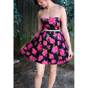 Forever 21 Dresses - Bundle: floral dress, filigree earrings + belt