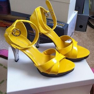 Shoes - REDUCED NEW SEXY YELLOW STRAP SANDALS