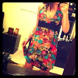 Dresses & Skirts - Colorful halter dress