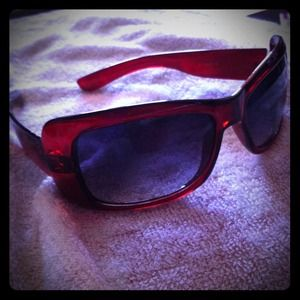 Accessories - 🌸reduced!🌸 red and black sunglasses