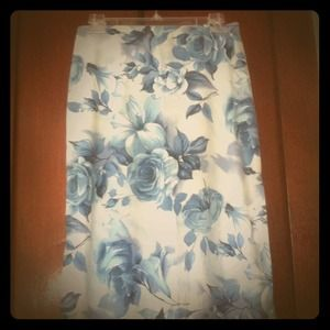 Dresses & Skirts - Floral beach skirt