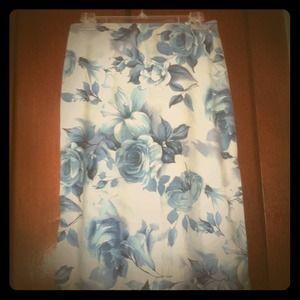 Dresses & Skirts - Floral beach skirt