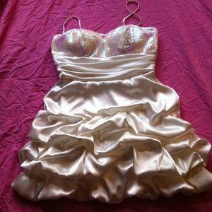 SALE  Prom/Homecoming dress! Sz 9/10 :)