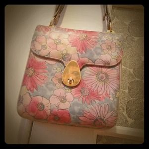 Reserved for @sjaramillo3 - Vintage Floral Handbag