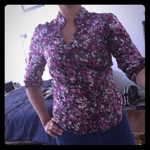 Tops - 🌸pink and purple floral button-down
