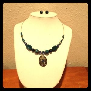 Jewelry - Jeweled Necklace and earring set turquoise