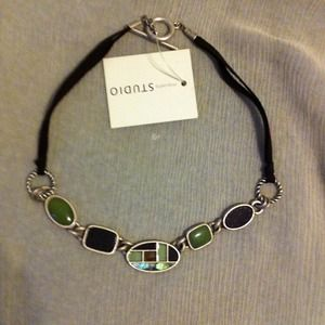 PRICE CUT. NWT Cute necklace