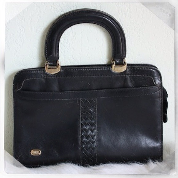 9875471ec6f5 Vintage Philippe Black Genuine Leather Purse. M 4fca5bb47e00ba0a3900658f