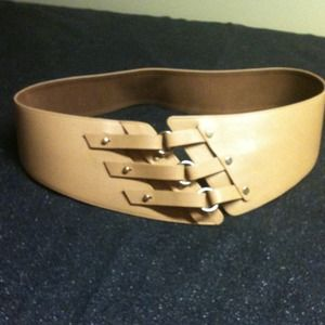 Genuine Fine Leather Fashionable  Wide Belt sz L.