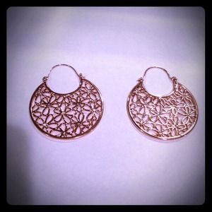 Jewelry - Floral hoop earrings new.