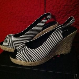 Shoes - Super cute Wedges Brand new in box