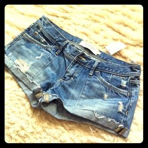 Abercrombie & Fitch Denim - Brand New w/ Tag✨Abercrombie Distressed Shorts