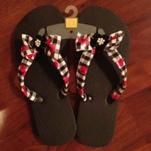Shoes - Black flip flop
