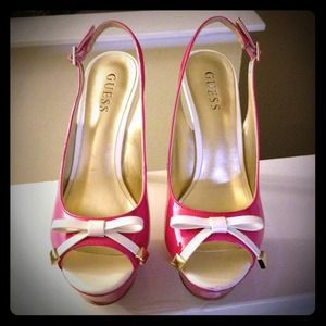 Guess Shoes - 🎀Pink Patent Pumps🎀