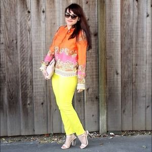 H&M Tops - Bright Scarf-Print Blouse