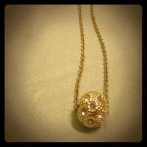 Gold necklace w/ rhinestones