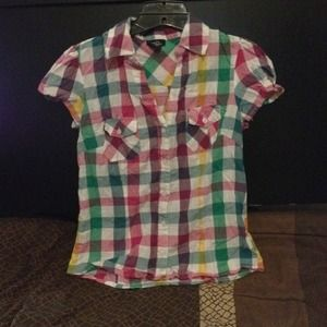 Tops - Cute and colorful button down shirt