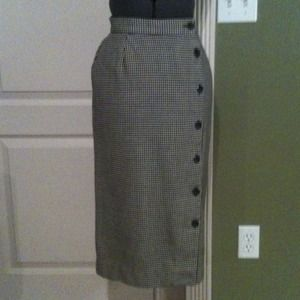 JH Collectibles Dresses & Skirts - Vintage Houndstooth Skirt w/ Buttons Down Backside