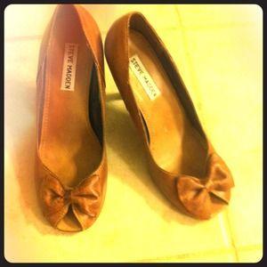 ✅Steve madden tan heels 6.5