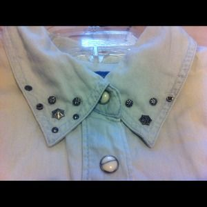 New Guess studded top!!!!
