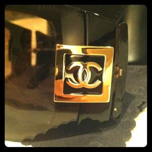CHANEL Accessories - Chanel Oversized Dark Brown Sunglasses