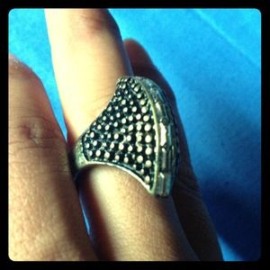 Jewelry - New Mohawk style cocktail ring