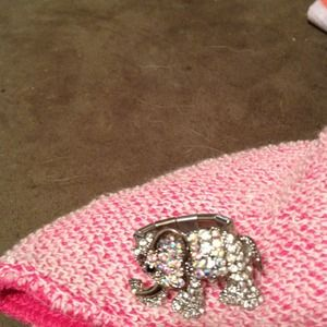 Jewelry - Adorable stretch crystal elephant ring.