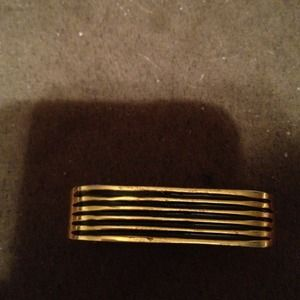 Jewelry - Two finger gold and black ring.