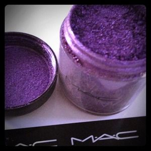 Other - Mac pigment Violet