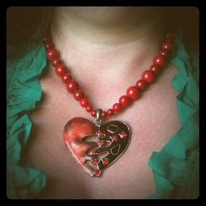 Jewelry - Large heart necklace