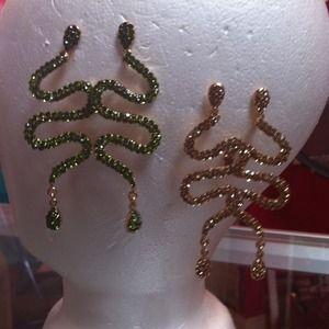 Green (shown) Gold (shown) Silver, Purple