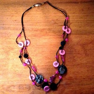 Jewelry - Handmade pink button necklace