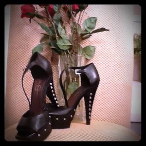 Jessica Simpson Shoes - Jessica Simpson 3inch heels