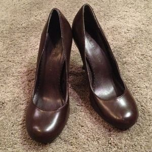 CL by Laundry Shoes - Chocolate heels Sz 6.5--never worn