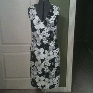 Merona Dresses & Skirts - Blk/wht floral dress.