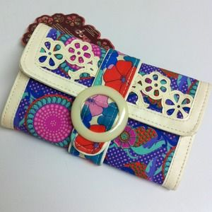 Clutches & Wallets - Brand New🌺Floral Wallet🌺