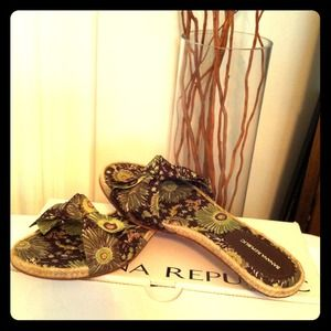 Banana Republic Shoes - 🍃Brand New🍂kiTTen sandals🍃